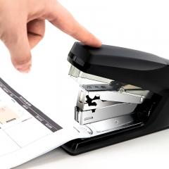 得力(deli)省力型订书机 轻松装订 适用24/6及26/6订书针(12#) 黑色0368