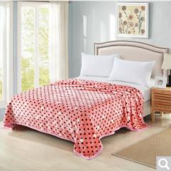 雅鹿自由自在 毛毯家纺 加厚法兰绒毯子 午睡空调毯毛巾被盖毯 2*2.3米 约2.8斤 粉色波点  货号100.ZD615 2*2.3M  约2.8斤
