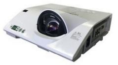 日立(HITACH)教育投影机 HCP-Q360E  直投短焦 3200LM 货号100.SD586